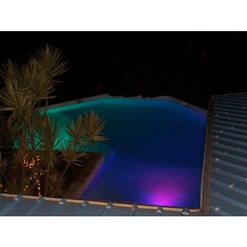 Luces led piscina luces de led para piscina for Luces para piscinas