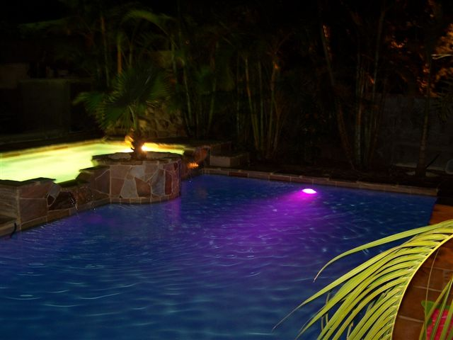 Iluminaci n led para piscinas todo tipo de iluminaci n for Luces led piscina