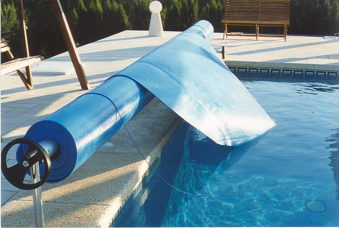 Cubiertas y mantas tecnopool mantas termicas para for Mantenimiento de la piscina